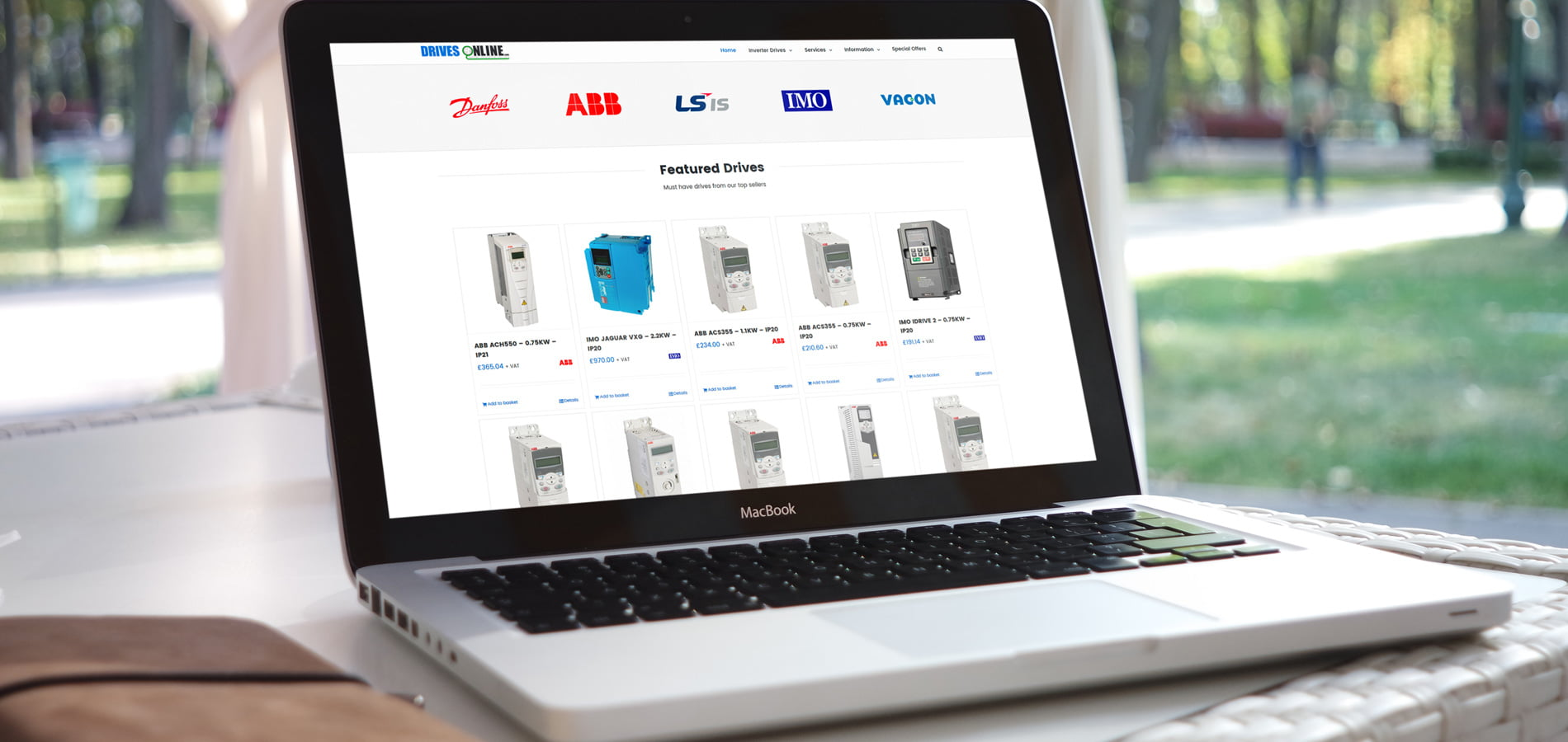 Designed by HOWiE - Woocommerce - Ecommerce Websites